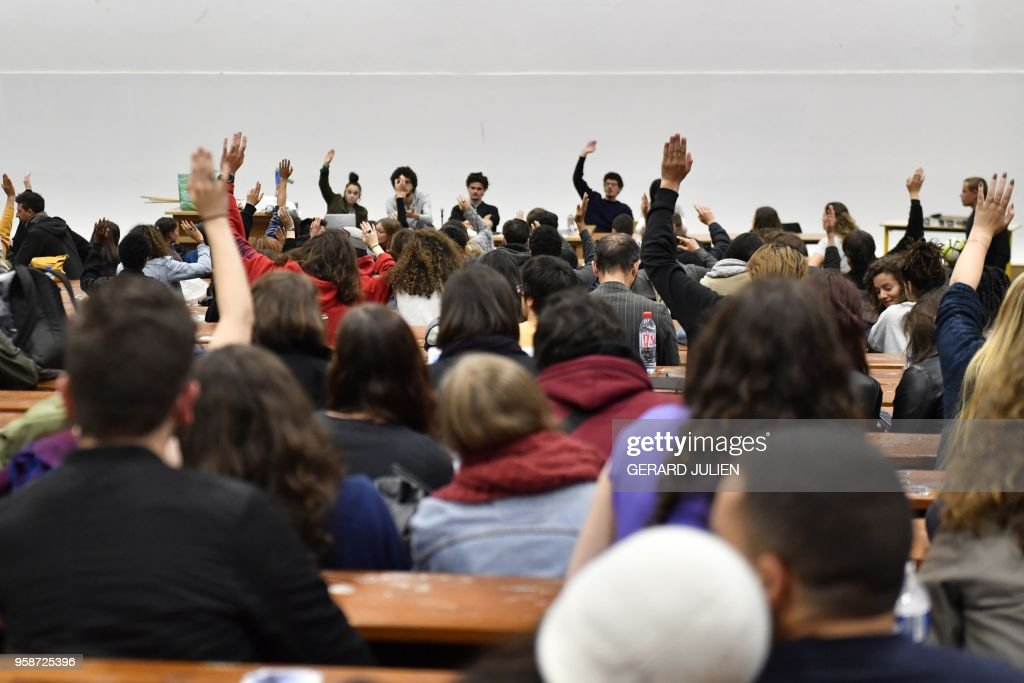 TOPSHOT-FRANCE-EDUCATION-UNIVERSITY-POLITICS : News Photo