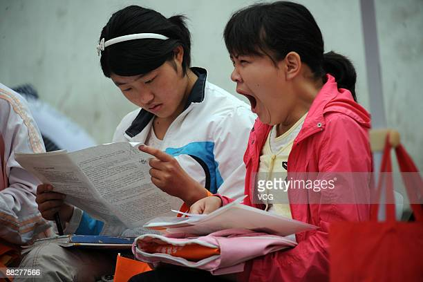 Students wait at an exam site prior to taking the college entrance exam on June 7 2009 in Haozhou of Anhui Province China China's national college...