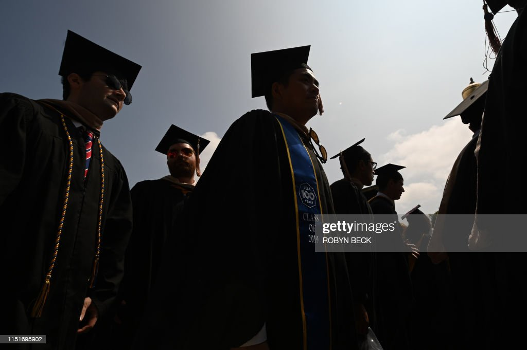 US-EDUCATION-STUDENT-DEBT : News Photo