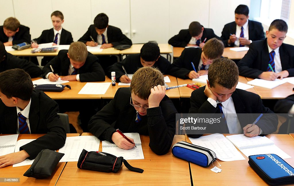 Students Across The UK Return To School For Start Of The Autumn Term   : News Photo