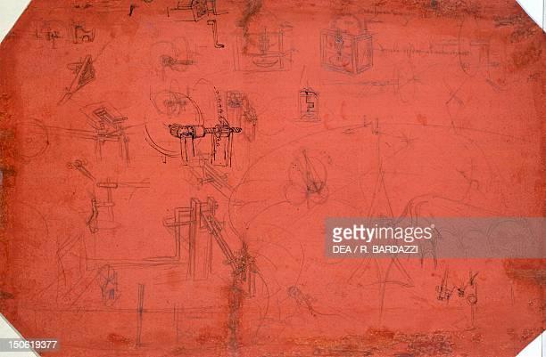 Studies for the flying machine by Leonardo da Vinci drawing 447E verso