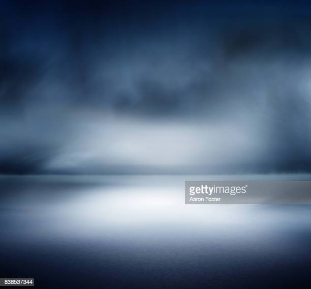 studio backdrops - dark blue background stock pictures, royalty-free photos & images