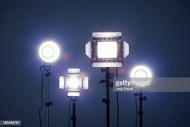 studio lights - リフレクター ストックフォトと画像