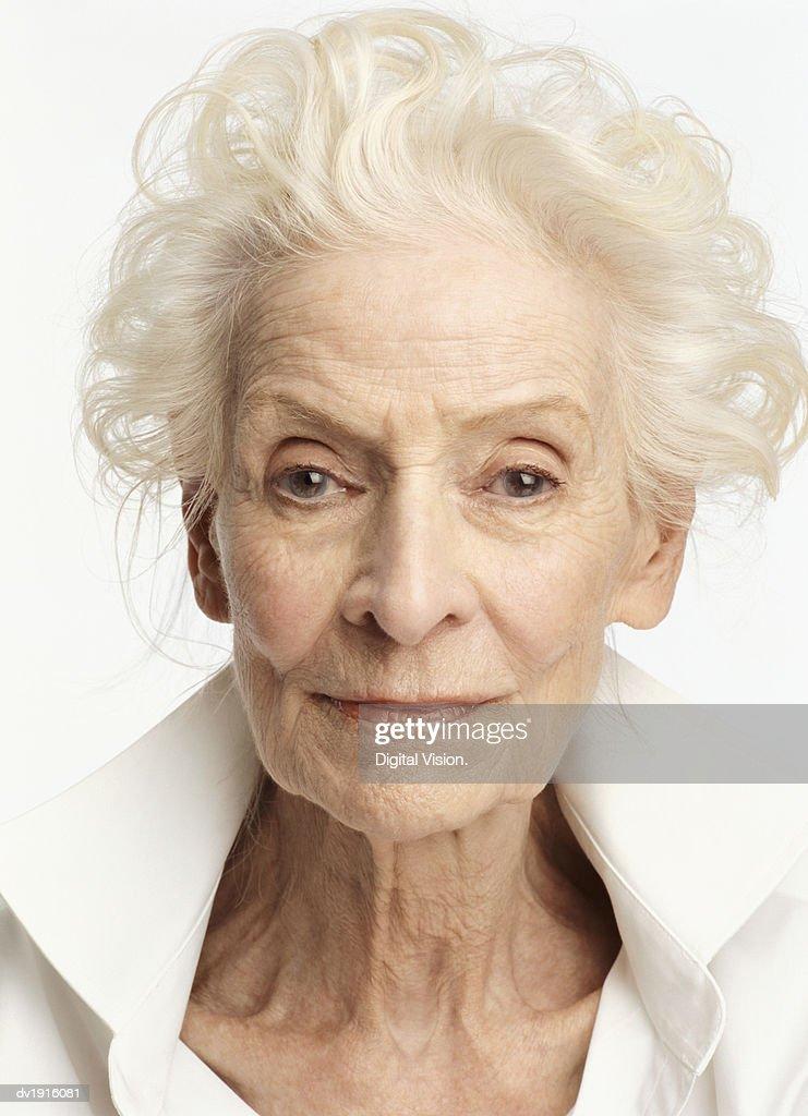 Studio Portrait of a Senior Woman : ストックフォト