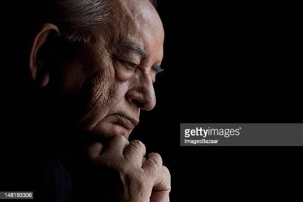 studio portrait of senior man - only senior men stock pictures, royalty-free photos & images