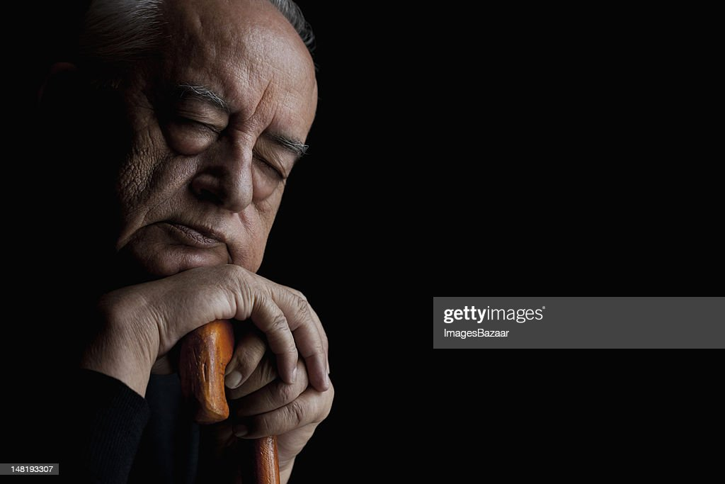 Studio portrait of senior man : Bildbanksbilder