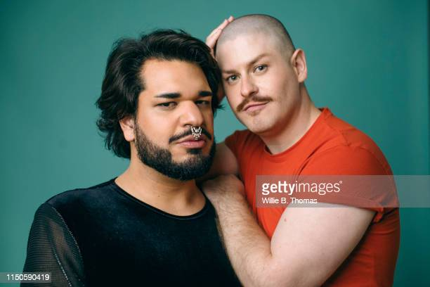 studio portraits of married gay couple - black and white stock-fotos und bilder