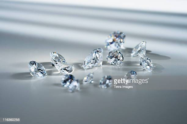 studio shot of diamonds - diamant stock pictures, royalty-free photos & images