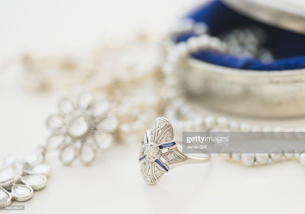 Studio shot of silver jewelry : ストックフォト