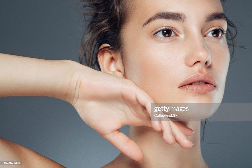 Studioaufnahme der junge schöne Frau : Stock-Foto