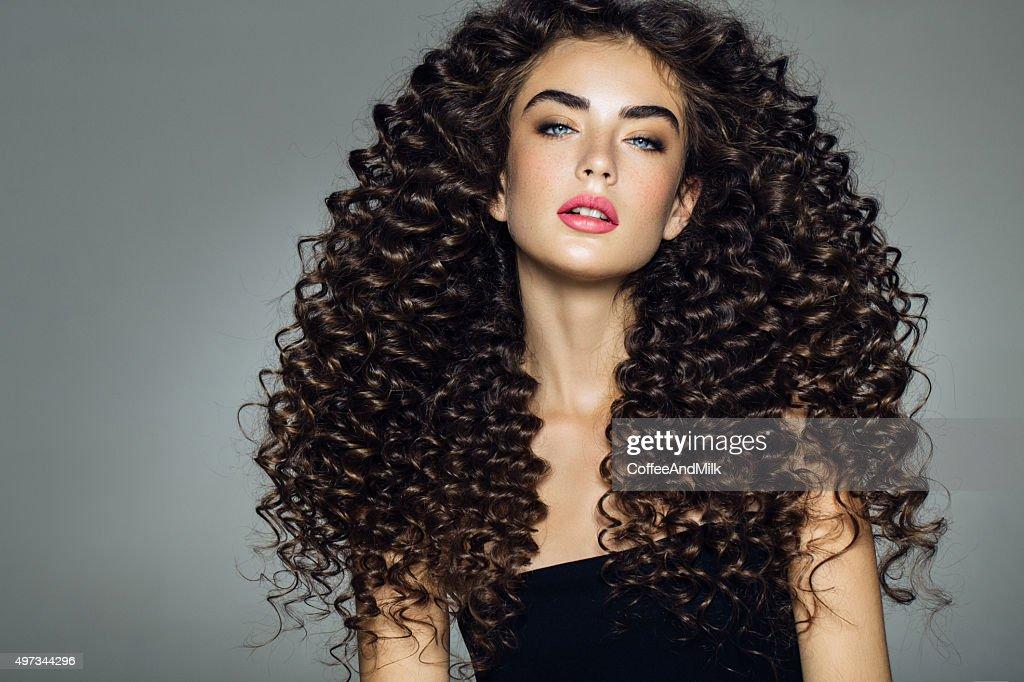 Foto de estudio del joven hermosa mujer : Foto de stock