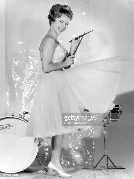 FROBOESS Studioaufnahme für den Film 'Wenn die Conny mit dem Peter' 1958