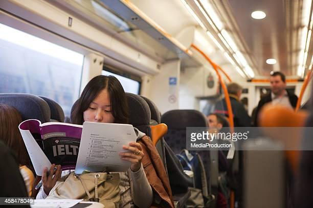 Akademisches Lernen im Zug