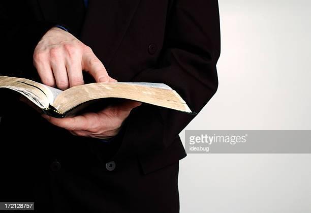estudiar la biblia - reverendo clerecía fotografías e imágenes de stock