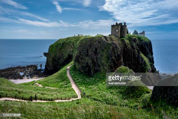 stunning scenic with castle on a hill, scotland - dunnottar castle stock pictures, royalty-free photos & images