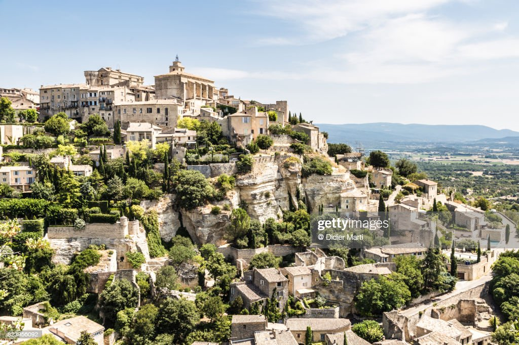 Stunning view of Gordes, a famous hilltop village in Provence, France : Stock Photo