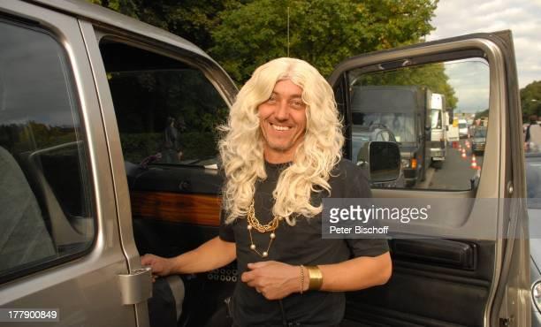 Stuntman , Dreharbeiten zum Internet-Musik-Video für Auto-Leasing-Kampagne mit J o h n n e s H e e s t e r s und G i n a - L i s a L o h f i n k für...