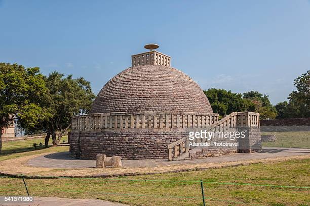 stupa in sanchi - stupa stock pictures, royalty-free photos & images