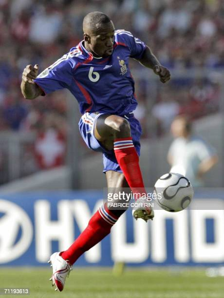 French midfielder Claude Makelele controls the ball during the 2006 World Cup group G Football match France vs Switzerland 13 June 2006 in Stuttgart...