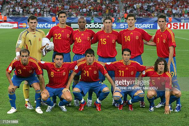 The Spanish team poses at the start of the opening round Group H World Cup football match between Spain and Tunisia at Stuttgart's GottliebDaimler...