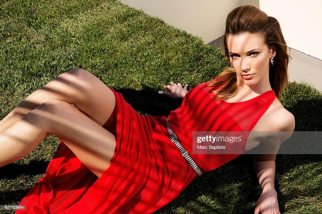 Ashleigh Louer; Hair: Lea Journo. Dress by Astars. Earrings by Pluma Italia.