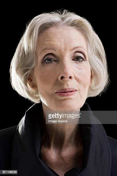 elegante mulher idosa - human body part imagens e fotografias de stock