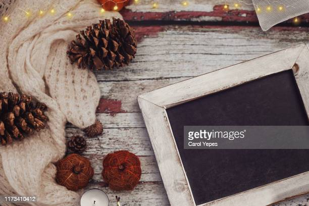 stylish winter fall  flat lay - 2019 calendar background stock pictures, royalty-free photos & images
