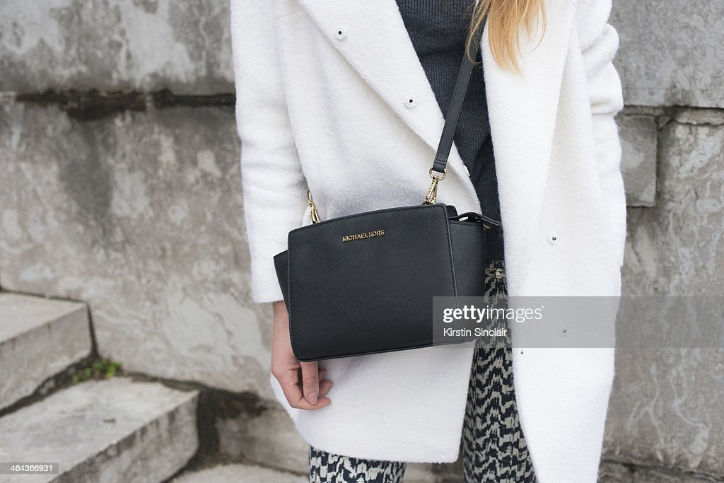 Street Style On January, 21 - Paris Fashion Week Haute Couture S/S 2014 : News Photo