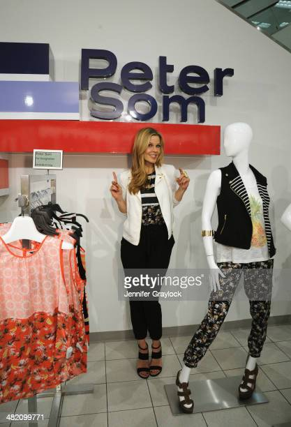 Stylist Mary Alice Stephenson poses as Kohls and Peter Som host an exclusive blogger event with Stylist Mary Alice Stephenson for the limitededition...