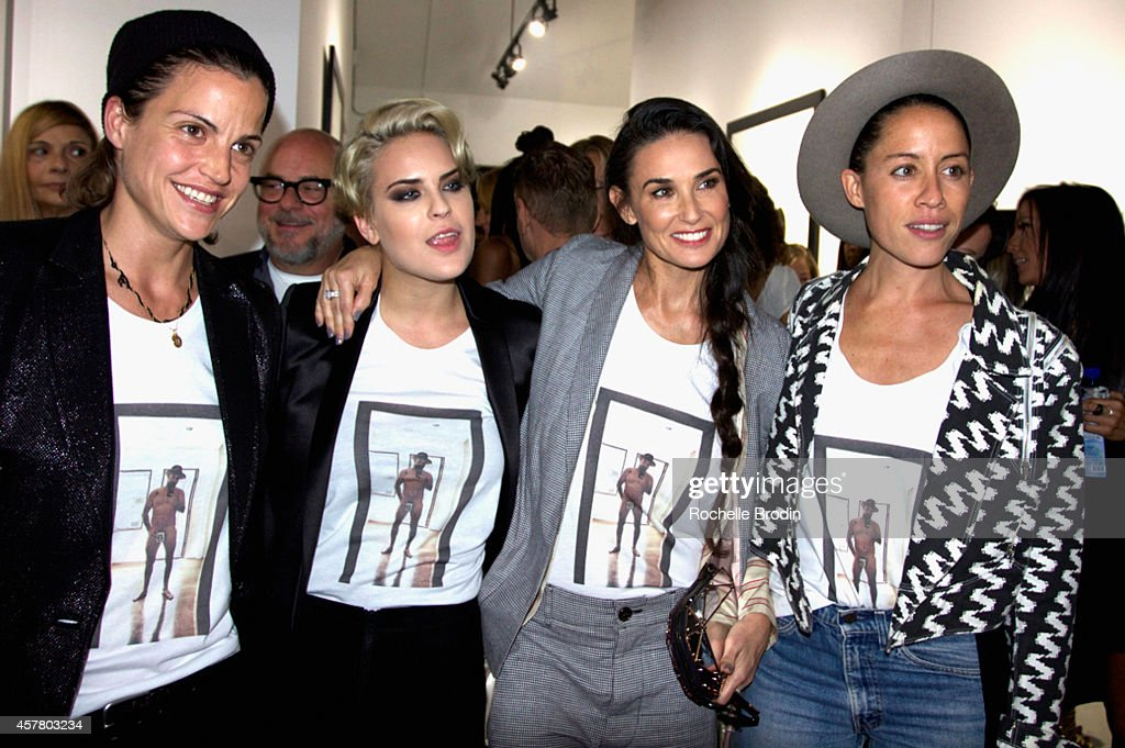 Brian Bowen Smith's WILDLIFE Show Hosted By Casamigos Tequila At De Re Gallery In West Hollywood, CA : Nachrichtenfoto
