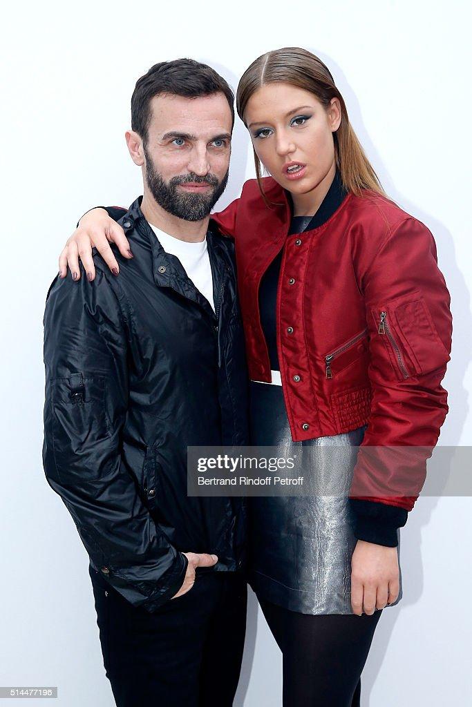 Louis Vuitton : Backstage - Paris Fashion Week Womenswear Fall/Winter 2016/2017 : News Photo
