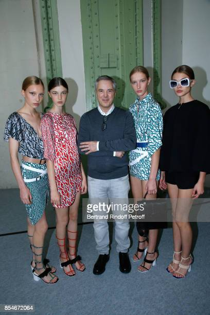 Stylist Olivier Lapidus and Models pose Backstage after the Lanvin show as part of the Paris Fashion Week Womenswear Spring/Summer 2018 on September...