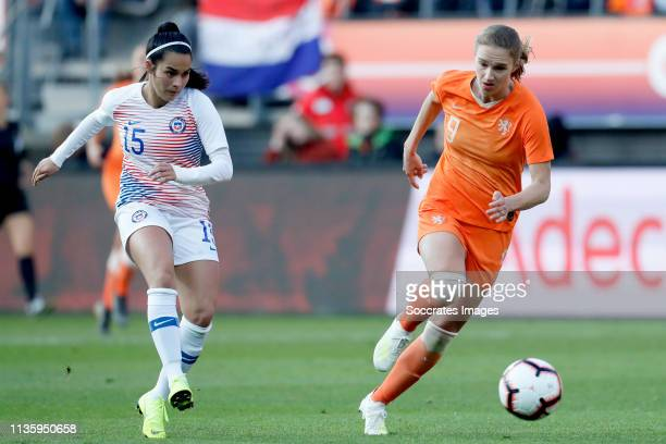 Su Helen Galaz of Chili Women Vivianne Miedema of Holland Women during the International Friendly Women match between Holland v Chile at the AFAS...