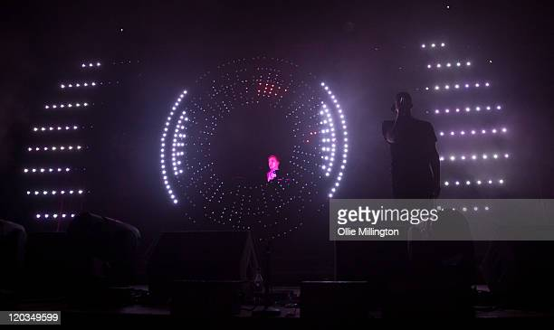 60 Top Sub Focus Pictures, Photos and Images - Getty Images
