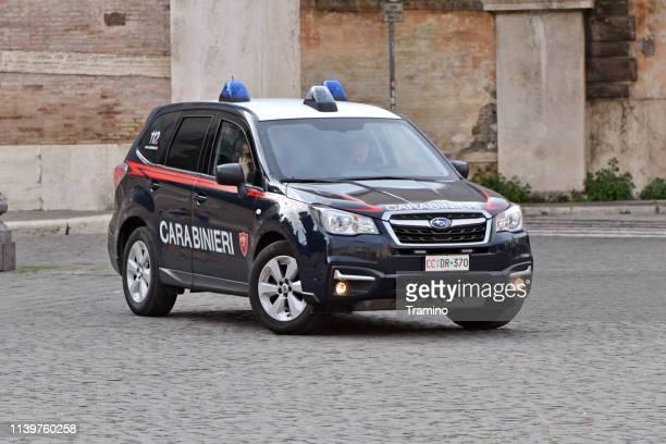subaru forester italian gendarmerie car on the street - carabinieri foto e immagini stock