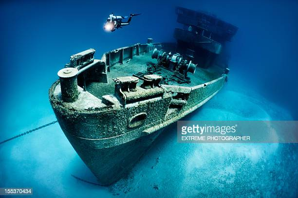 submarine rescue vessel - shipwreck stock pictures, royalty-free photos & images