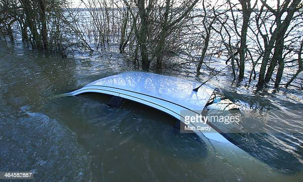 Skeletal Remains Found In Submerged Cars - YouTube |Submerged Car