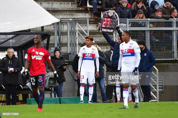 Substitute Willem Geubbels of Lyon prepares to come on during the Ligue 1 match between Amiens SC and Olympique Lyonnais at Stade de la Licorne on...