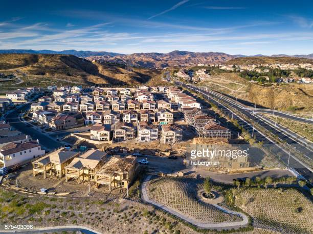 suburban development under construction in southern california - santa clarita stock pictures, royalty-free photos & images