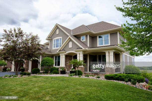 suburban house - roof stock pictures, royalty-free photos & images