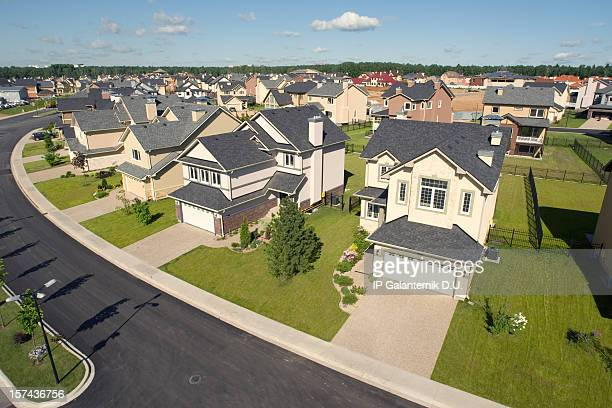 suburban houses. high angle view. - borough district type stock pictures, royalty-free photos & images