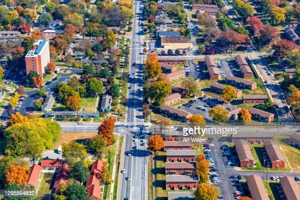 suburban residential aerial of nashville - nashville stock-fotos und bilder