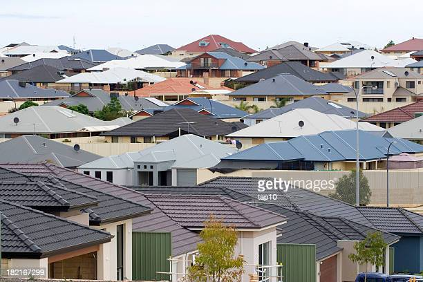 suburban scene - housing development stock pictures, royalty-free photos & images