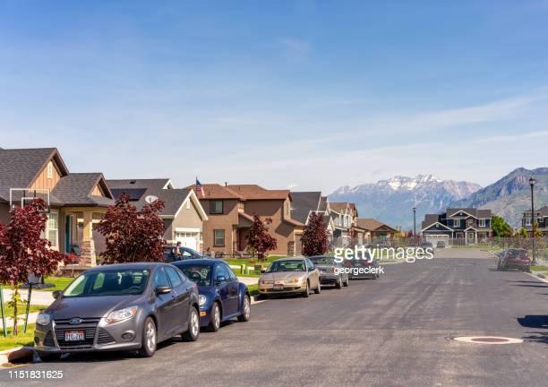 suburban street in utah - spanish fork utah stock pictures, royalty-free photos & images