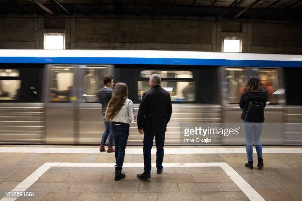 metropolitana - bucarest foto e immagini stock