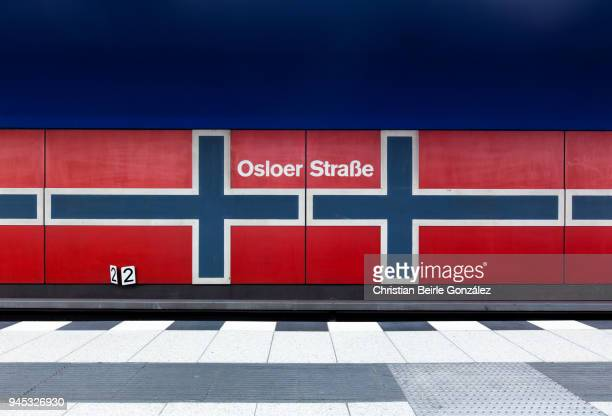 subway station osloer straße - christian beirle stock-fotos und bilder