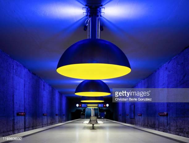 subway station westfriedhof, munich, germany - christian beirle gonzález photos et images de collection