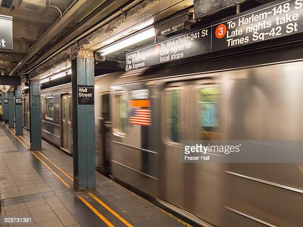 subway train, new york city - new york city subway stock pictures, royalty-free photos & images