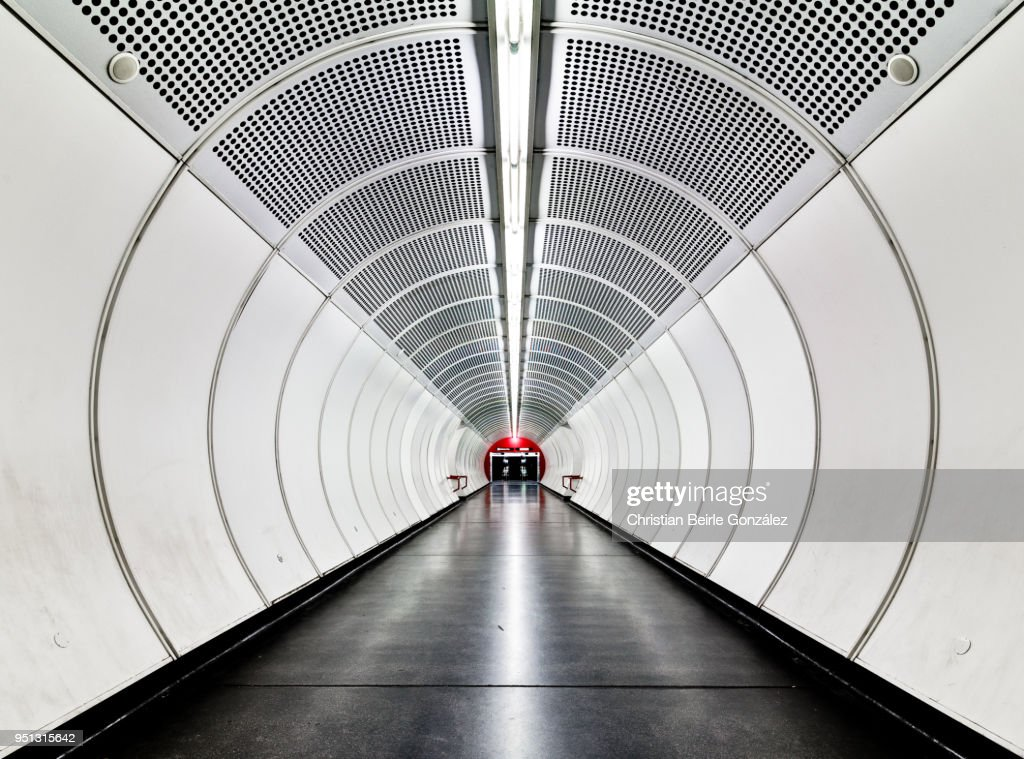 Subway Tunnel with Concentric Circles : Stock-Foto
