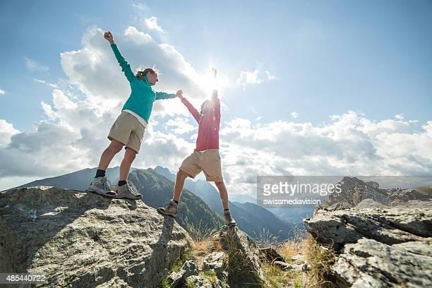Éxito en la cima de la montaña